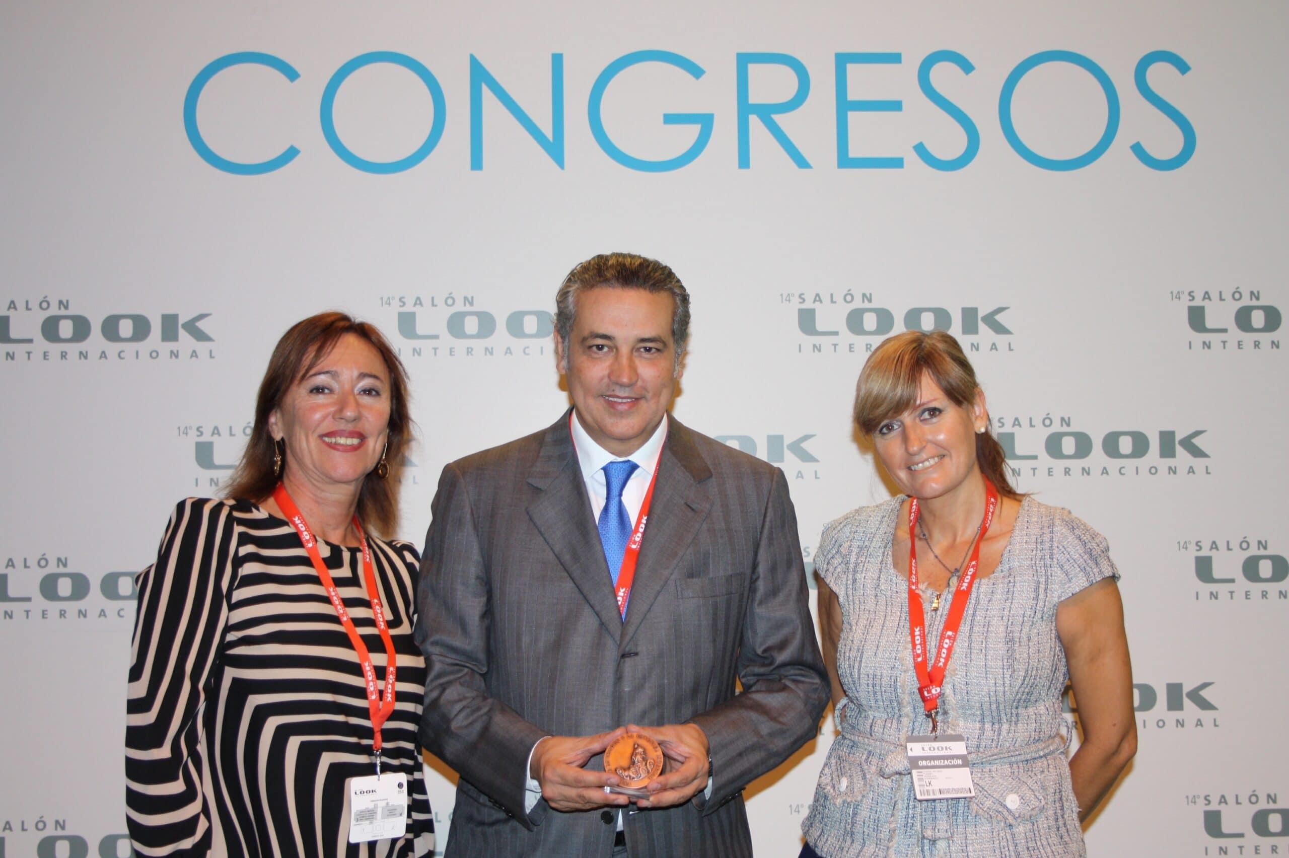 De izquierda a derecha: María José Caldentey, Editora y Directora General de Estheticworld & Spa, Jorge Planas y Susana Salvadó, comisaria del congreso.