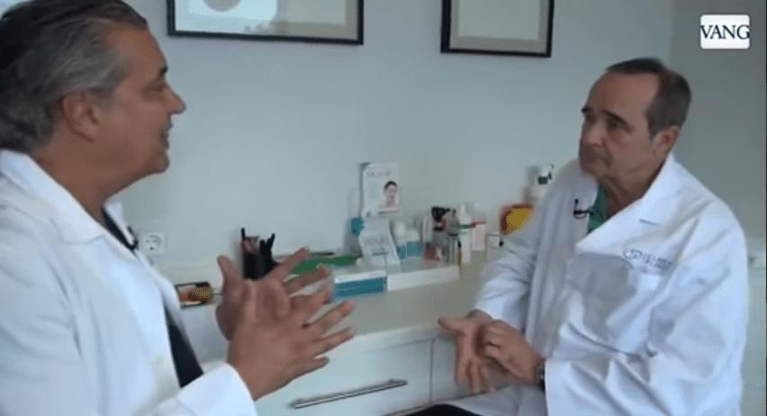 el Dr. Abad, especialista en balon indogastrico de Clinica Planas, junto al Dr. Planas