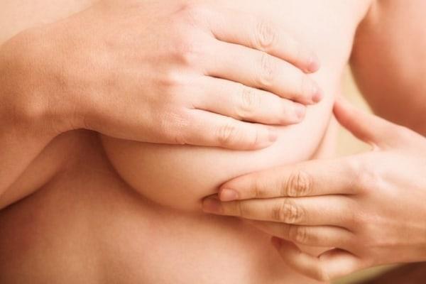 Cuidados especiales del pecho tras un proceso oncológico
